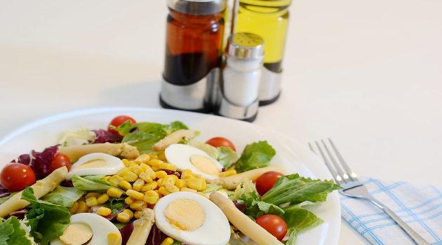 Receita de Salada com Ovo