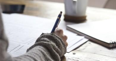 mulher-escrevendo